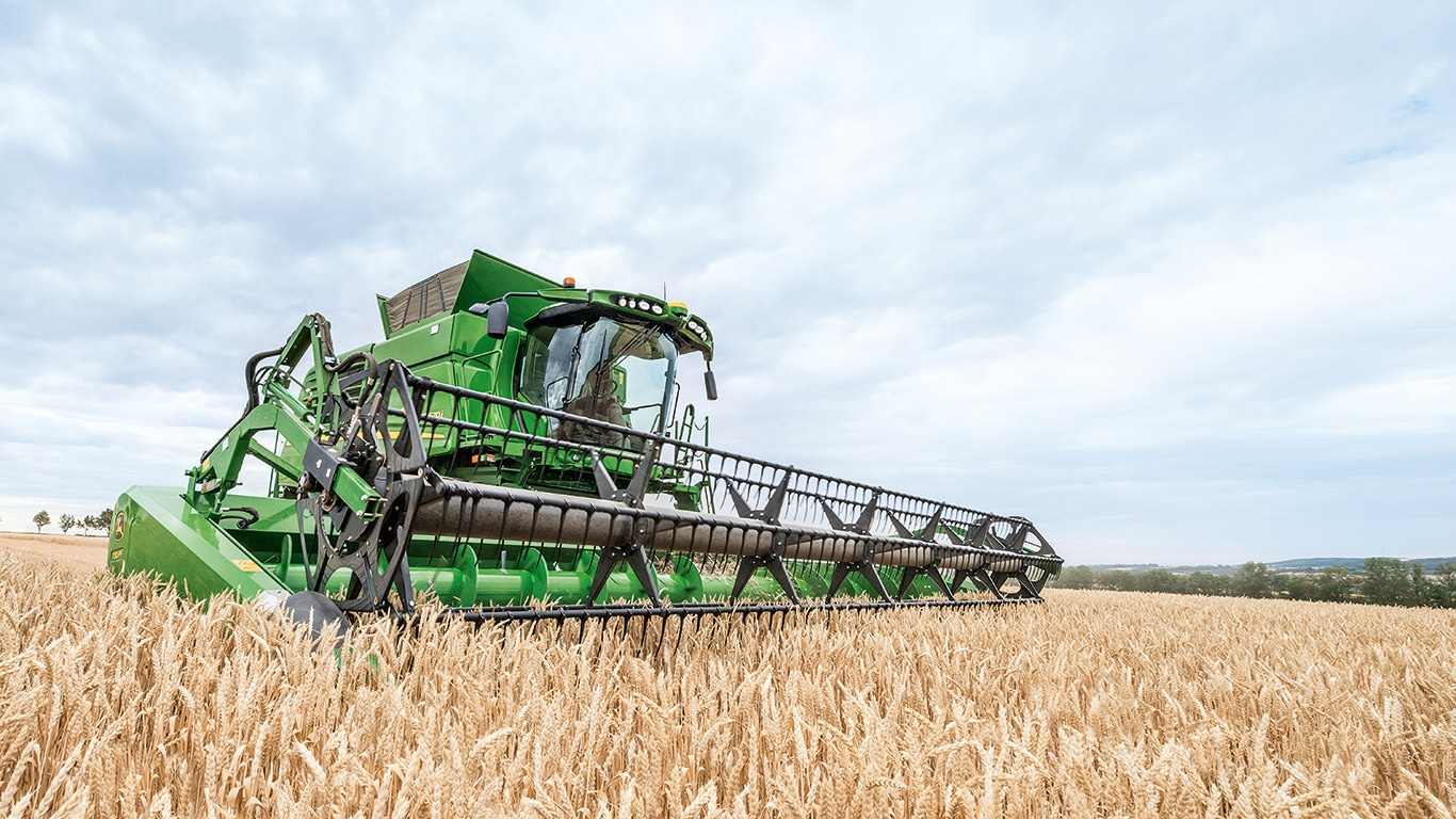 #8 Reasons to buy John Deere combines now