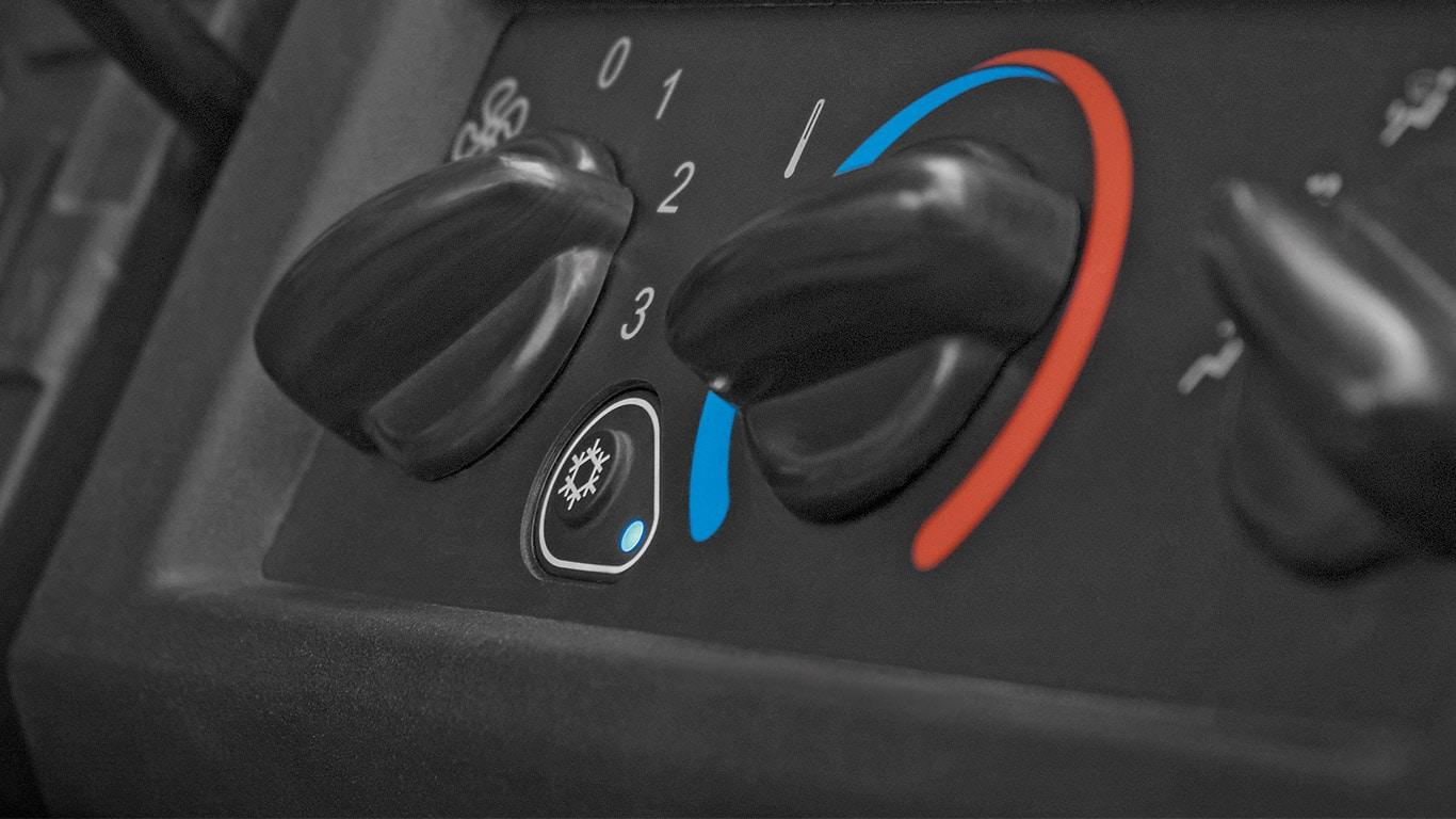 Gator™ Transport- und Nutzfahrzeug XUV 865M, XUV835M mit Klimaregelung, schließen - öffnen, sofort wohlfühlen