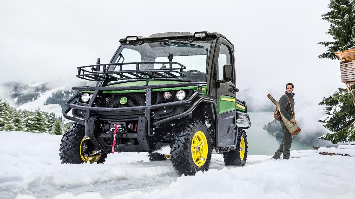 Gator™ Transport- und Nutzfahrzeug XUV 865M, XUV835M Winter Hunter mit Klimaregelung
