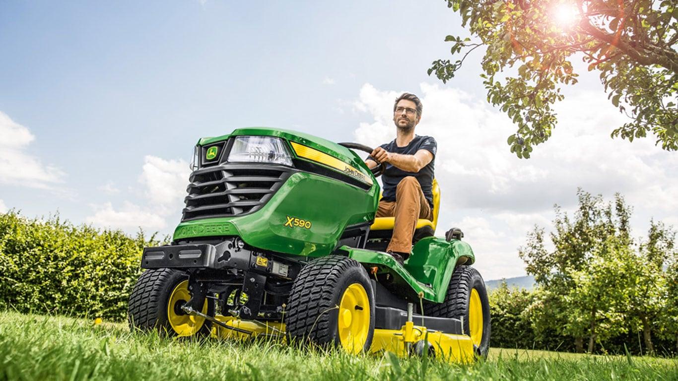 Tondeuses autoportées et tracteurs de jardin