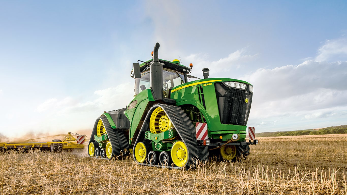 9R/9RT/9RX Series of large farm tractors by John Deere MY2020