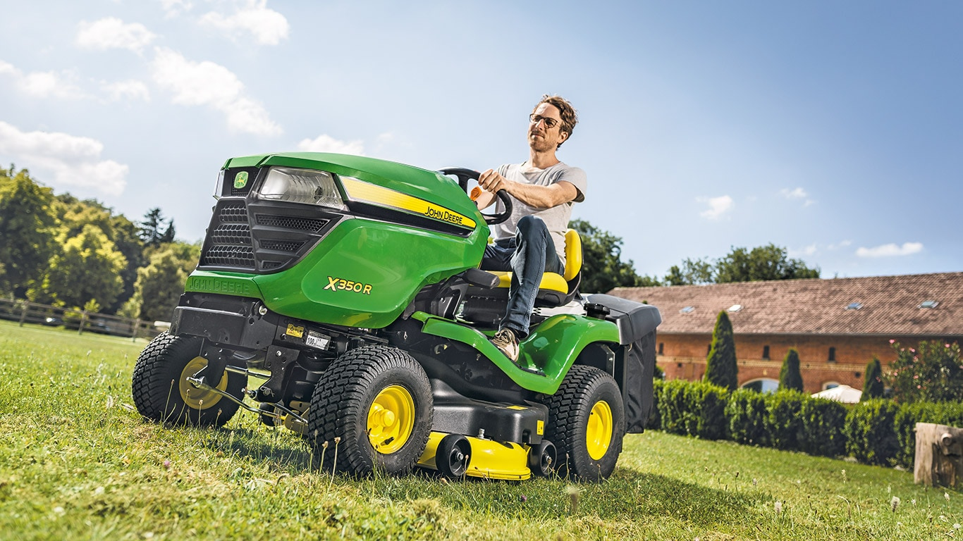 Lawn Tractors X350R with 4-wheel Steering